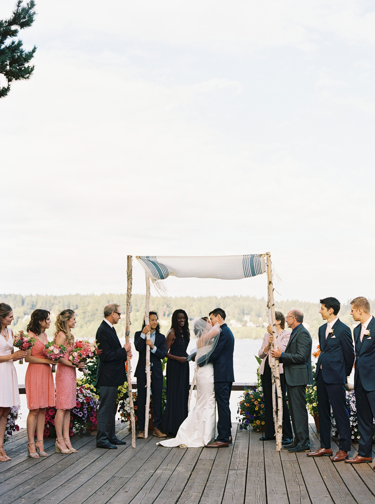 First kiss at Kiana Lodge by top PNW photographer Anna Peters