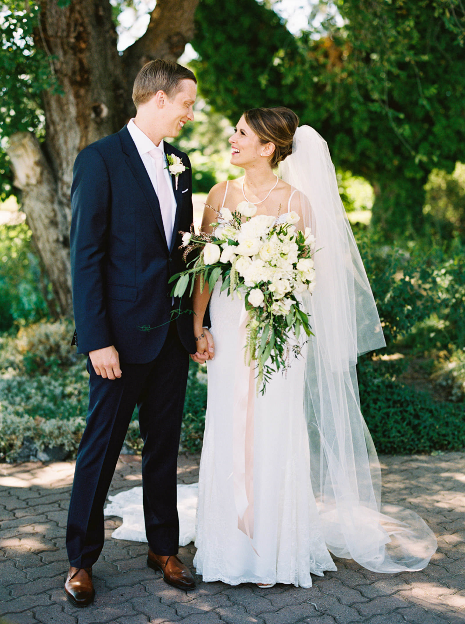 Classic bride and groom portrait at an Arbor Crest Winery wedding captured by top Spokane Wedding Photographer Anna Peters