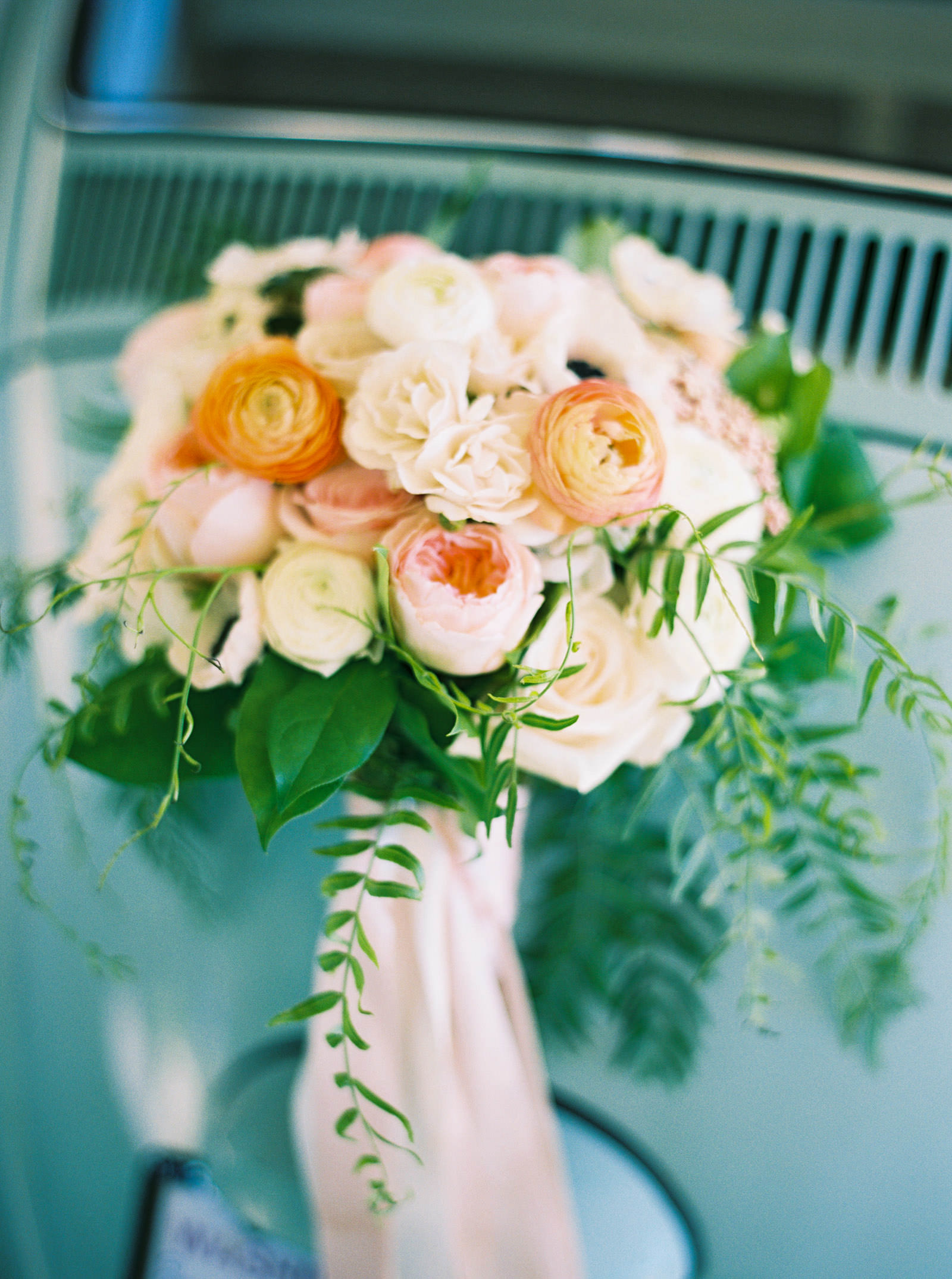 Blush and coral bridal bouquet at Kelley Farms | | Seattle Wedding Photographer Anna Peters