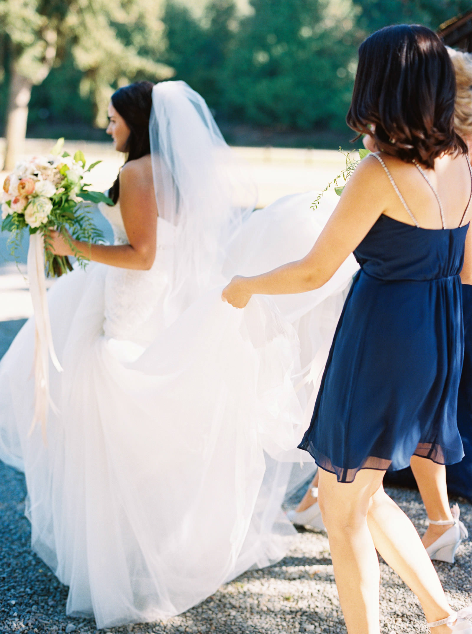 Bridesmaids in Navy at Kelley Farms | Seattle Wedding Photographer Anna Peters