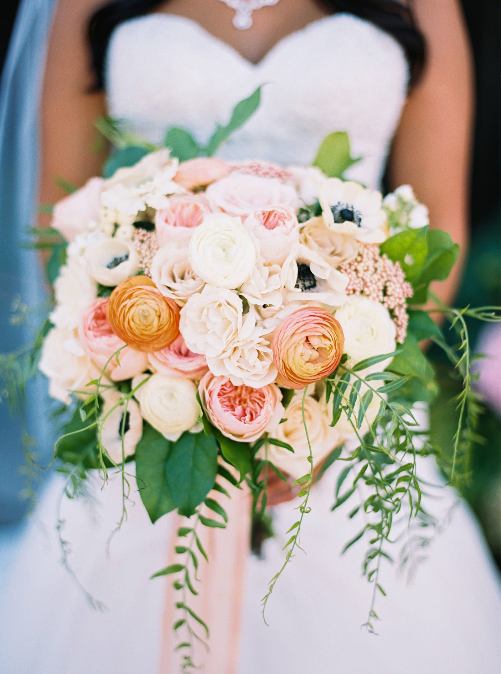 Blush and coral wedding bouquet at Kelley Farms | Seattle Wedding Photographer Anna Peters