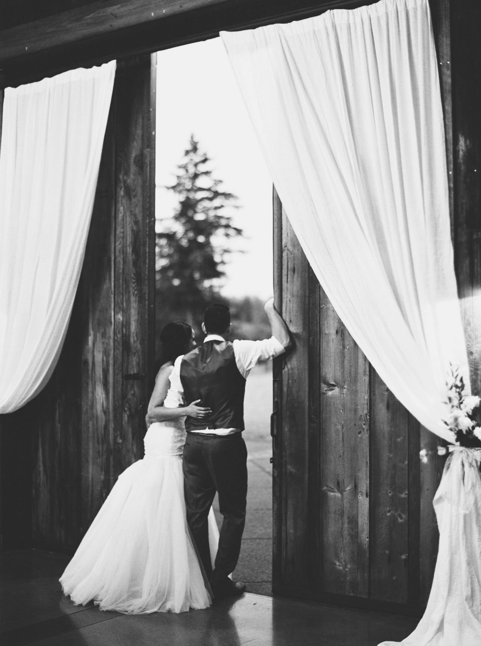 Fall Wedding Reception at Kelley Farms | Seattle Wedding Photographer Anna Peters