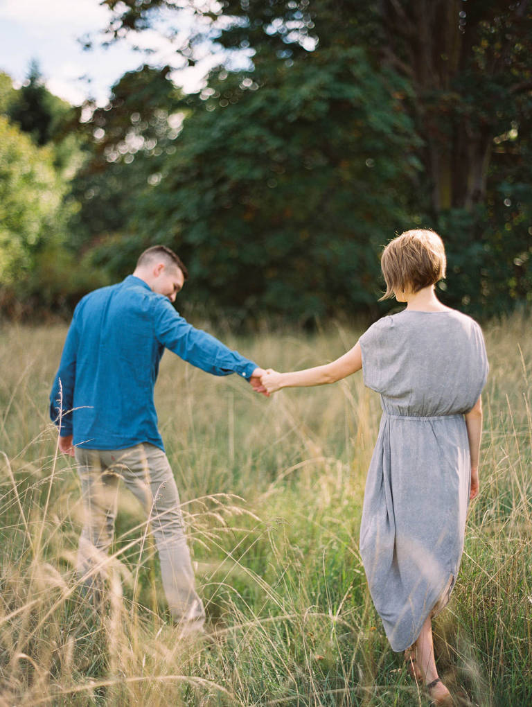 Simple and stylish Discovery Park Engagement Photos