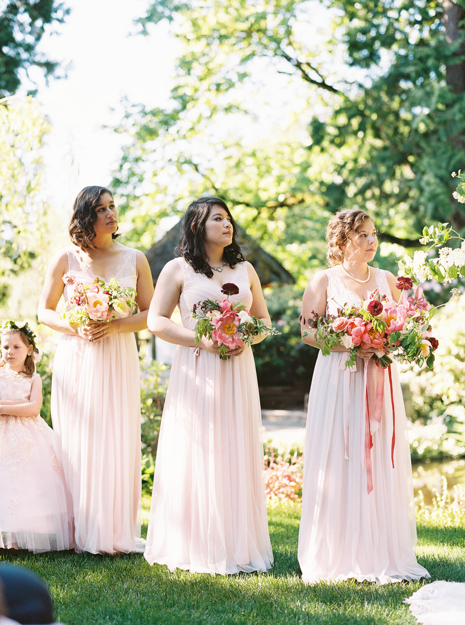 An Elegant Spring DeLille Cellars Wedding with vibrant pops of Color | Seattle Wedding Photographer Anna Peters