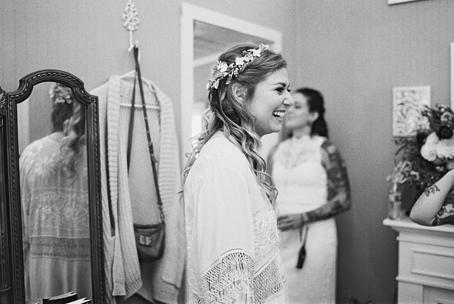 Bride gets ready at Wellspring Spa Wedding at Mt. Rainier with Seattle Wedding Photographer Anna Peters