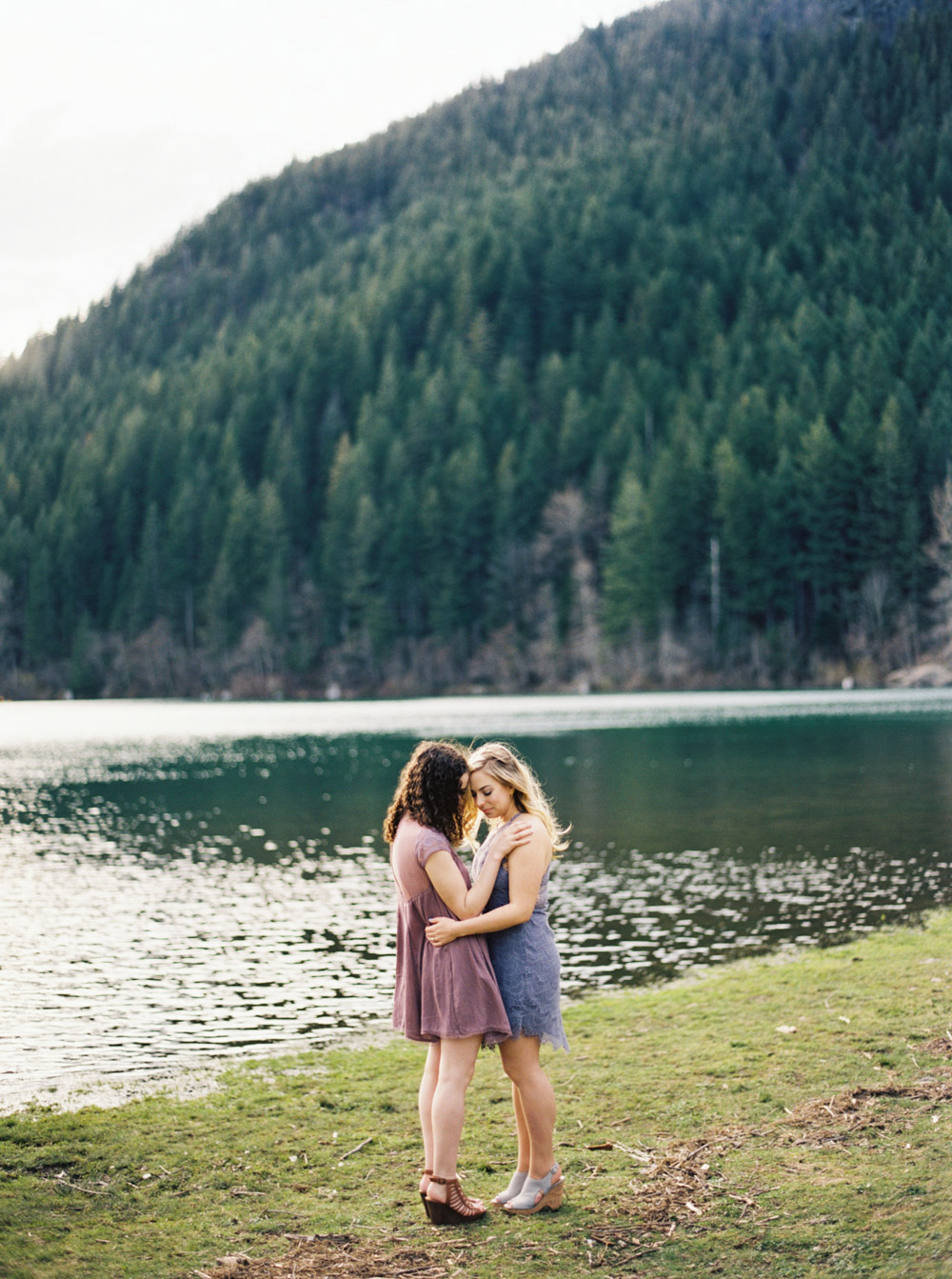 Rattlesnake ridge Engagement Session by Seattle Wedding Photographer Anna Peters