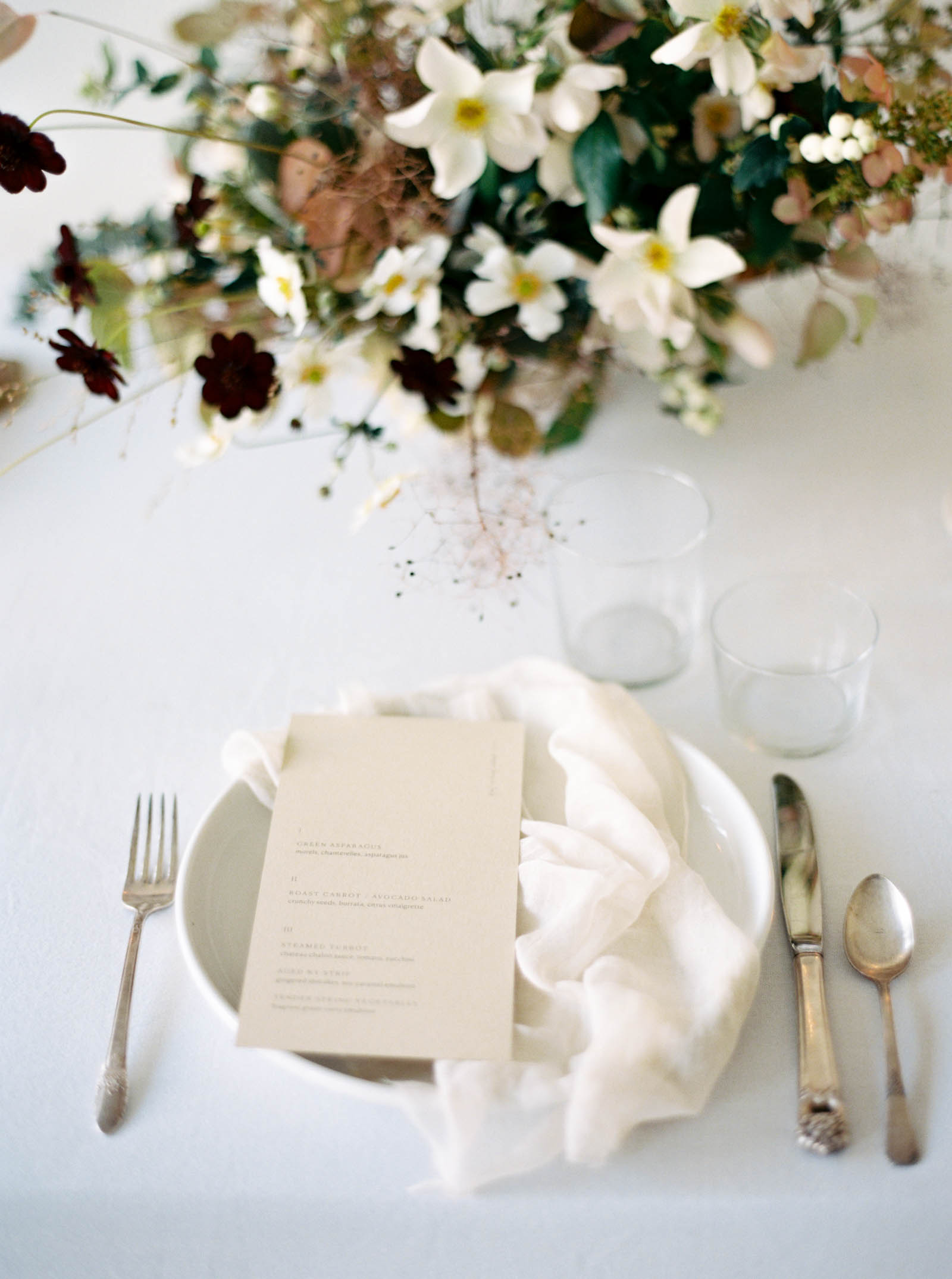 Organic Garden style florals for a modern Seattle wedding captured on film by PNW photographer Anna Peters