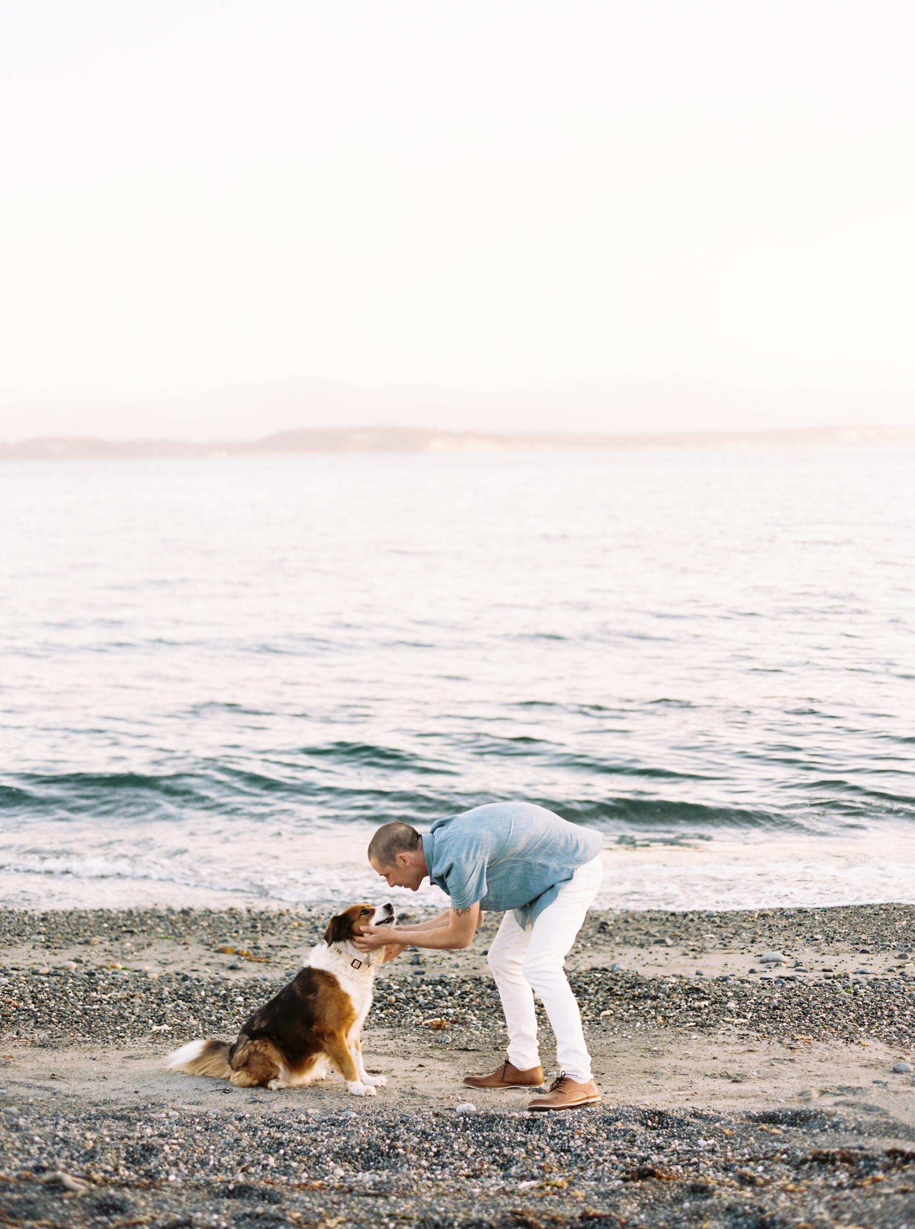 Family portraits on the beach by Whidbey Island family photographer Anna Peters