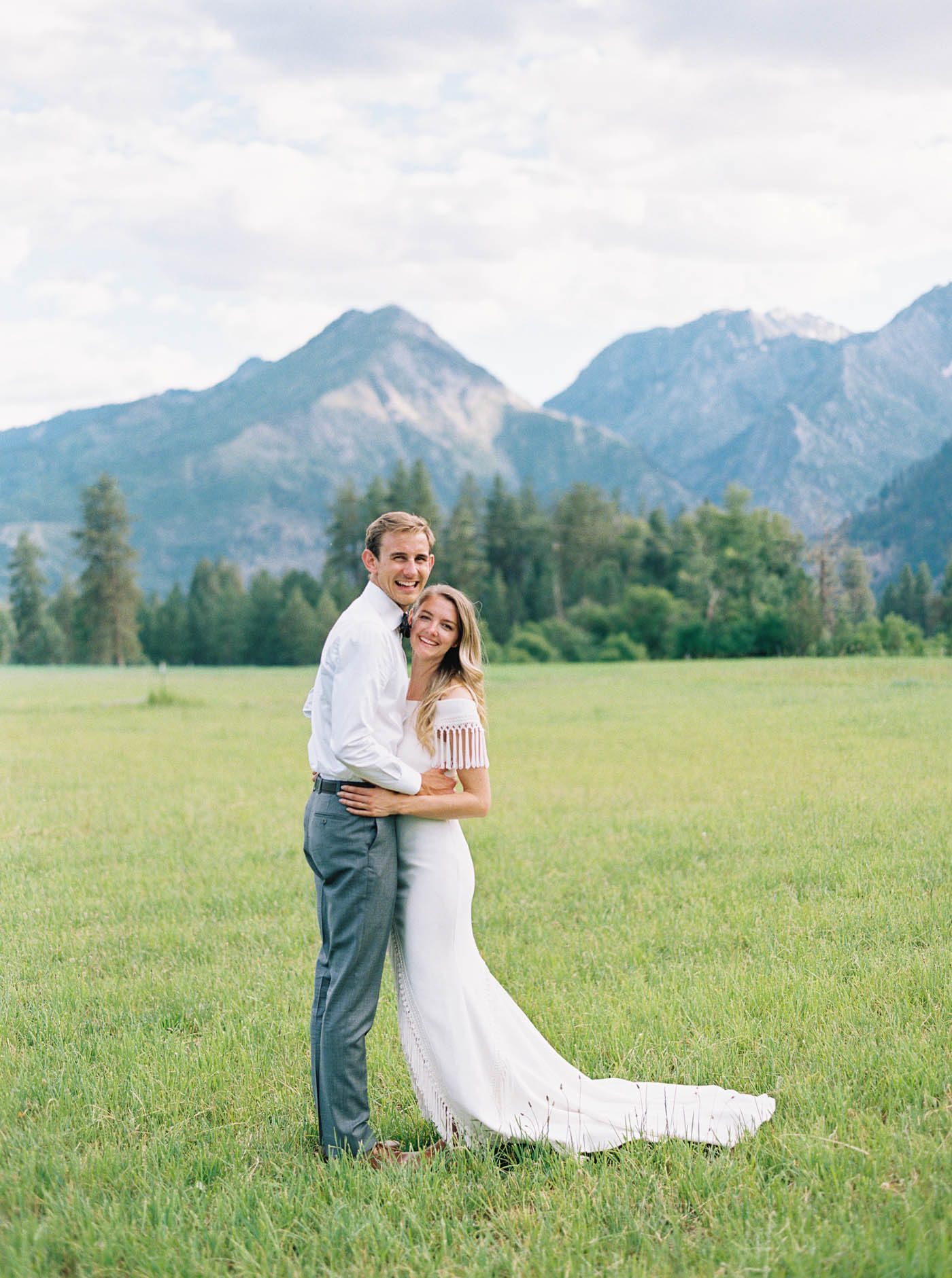 Heartfelt, candid wedding in Leavenworth captured on film by top Pacific Northwest wedding Photographer Anna PEters